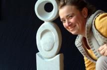 scultura con artista